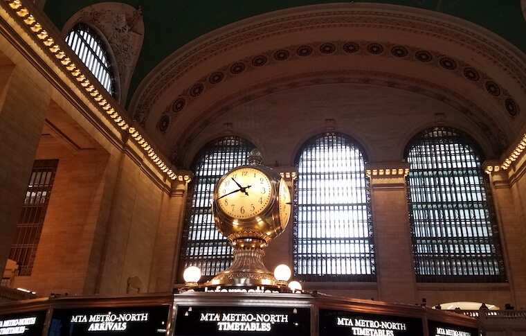 Large clock above ticket counter in Grand Central